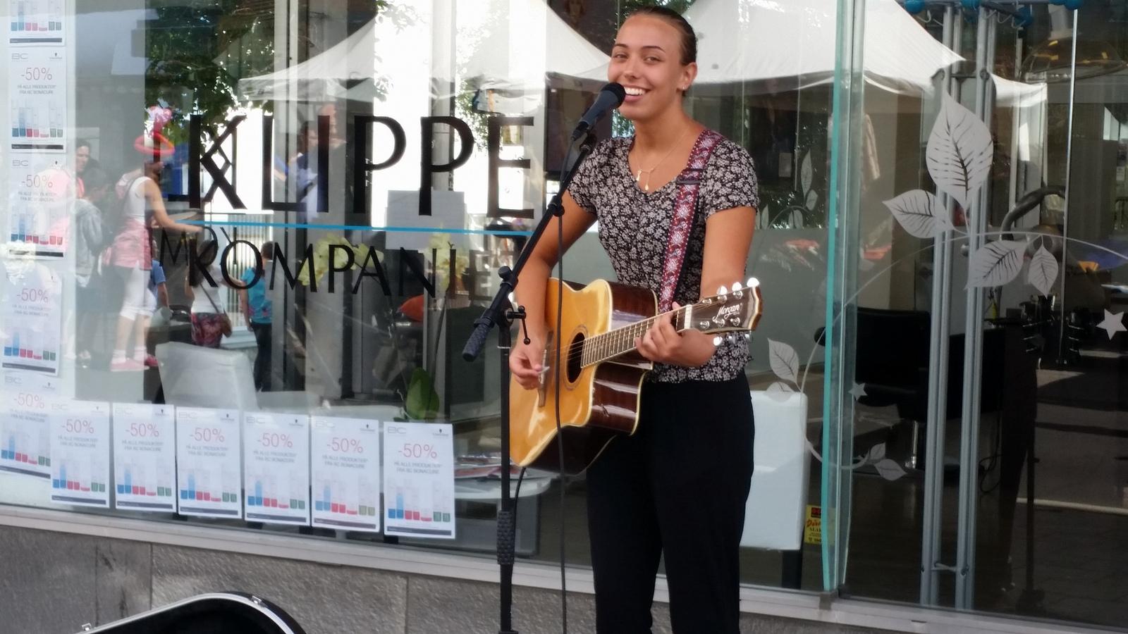 Spre sang og glede. Foto: Ole Foss