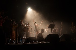 Men noen ganger må man jo dirigere litt. Foto: Andreas Jørgensen.